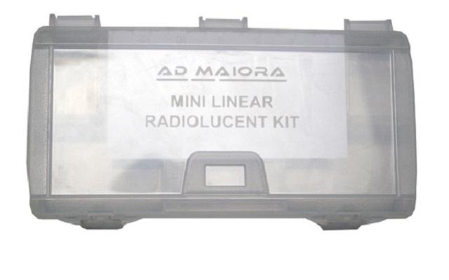 Sterilisation case for the components of mini linear radiolucent kit. contenitore sterilizzabile per i componenti del kit mini lineare.